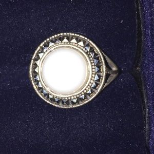 Marquisate 925 silver ring with white stone